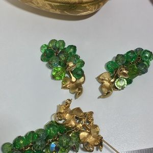 Vintage Jewelry - Vintage Clip-on earrings and Brooch Set